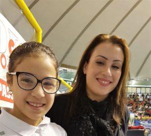 La piccola ginnasta Luvi e la Campionessa Vanessa Ferrari